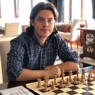 FIDE-Master-Viktor-Neustroev
